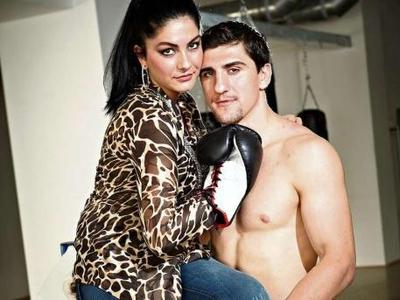 """Чемпион мира по боксу Мако Хук (26): """"Я - еще девственик"""" Вплоть до брачной ночи он хочет сохранить себя для подруги Амины."""