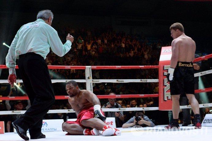 Попки на ринге при боксе